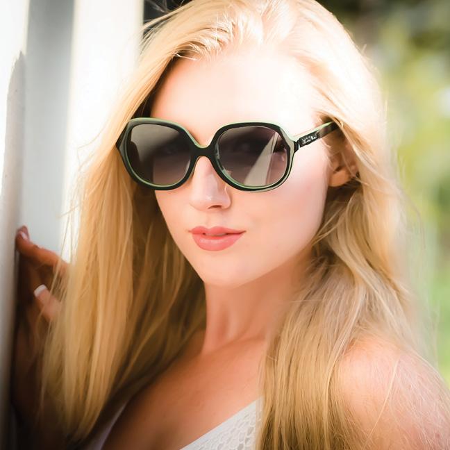 25faaa383719 Britney Spears Badspade Eyewear Sunglasses that float on water